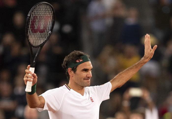 Federer 'paperone' dello sport batte Ronaldo e Messi, due sole le donne