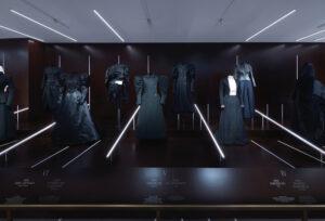 Al Met apre la mostra sulla moda senza tempo