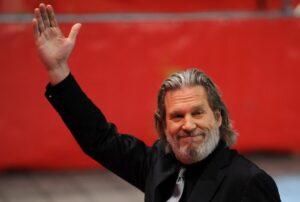 Jeff Bridges, su social sua sessione terapia anticancro