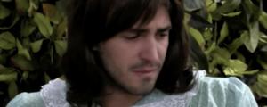 GFVip, Tommaso Zorzi in lacrime per il costume di Halloween: 'Quando a scuola ridevano di me'