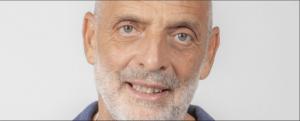 """Grande Fratello Vip, Alfonso Signorini bacchetta Paolo Brosio: """"Prega in silenzio"""""""