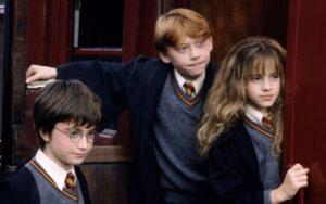 Harry Potter e la pietra filosofale: trama, cast e curiosità sul primo film del maghetto inglese