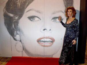 Sophia Loren, vita da favola e 70 anni di carriera